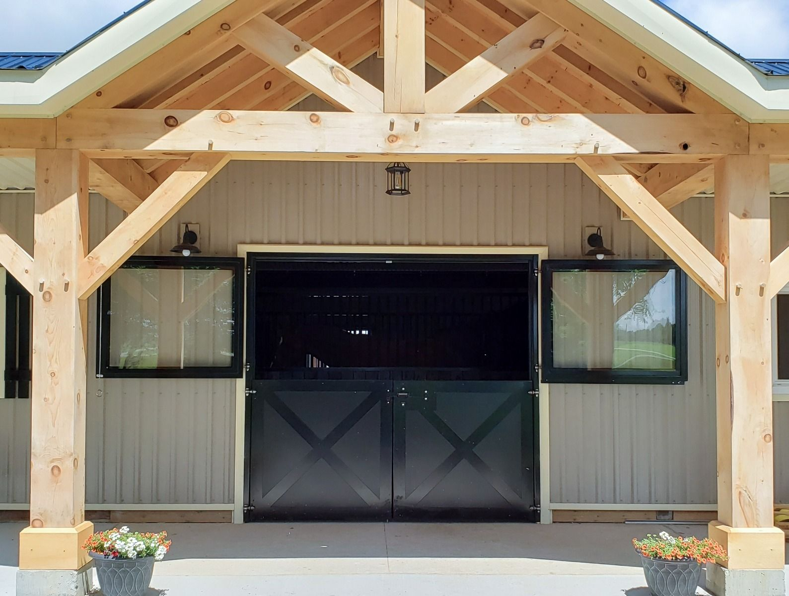 The Benefits of Installing Dutch Doors in Your Horse Barn